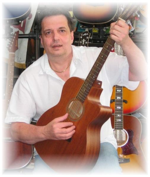 Winni Kappes an der Gitarre