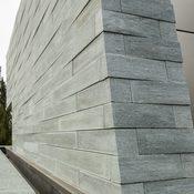Privat - gemauerte Fassade aus Orthogneis Verde Andeer - www.zappearchitekten.de