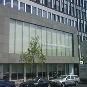 Schiffbauerdamm 40 - Fassade aus Gabbro - www.bundespressekonferenz.de