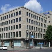 Bismarckstraße 33 - Fassade aus Muschelkalk  - www. vde-verlag.de