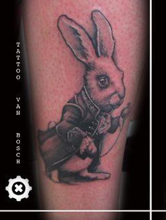 Tattoo van Bosch, Van Bosch Tattoo Bodenmais, White Rabbit Tattoo, Alice im Wunderland Tattoo, Wonderland Tattoo, Tattoo Bayerischer Wald, Bayerwald Tattoo, Tattoo Bodenmais, Tattoo Zwiesel, Tattoo Regen, Bayrischer Wald Tattoo, Neo Van Bosch,