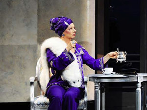 Rebecca 2011 - 13 | Mrs. Van Hopper | © Theater St. Gallen