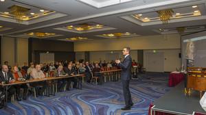 Dr. Carsten Linnemann CDU MdB bei Schwarzer trifft Mercure Hotel