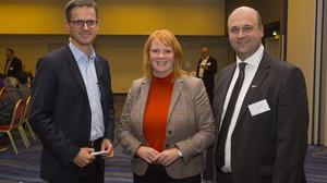Schwarzer trifft im Mercure Hotel mit Dr. Carsten Linnemann CDU MdB Christina Schwarzer CDU MdB Olaf Schenk MIT Neukölln