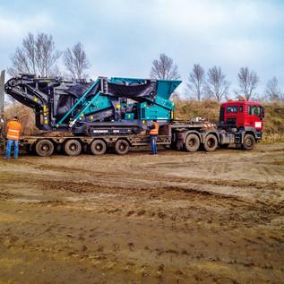 Mit den kleineren mobilen Anlagen ist BTB in der Lage, die Baustoffaufbereitung sofort auf der Baustelle anzubieten. Das