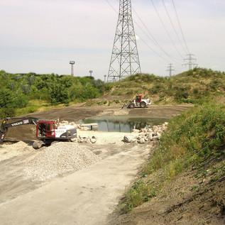 Bau eines 300 m2 großen Schwimm- teiches mit ausschließlich natürlichen Baustoffen