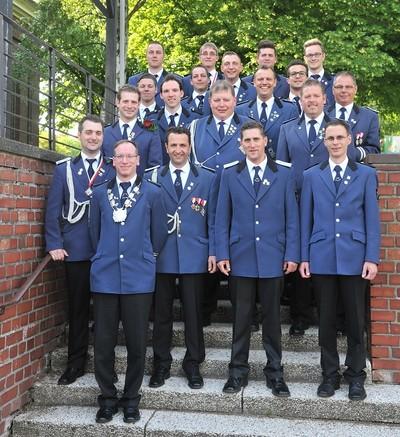 """Die beiden Königszüge aus den Grenadierkorps: """"Nie Zo Huss"""" und """"Immer bereit""""."""