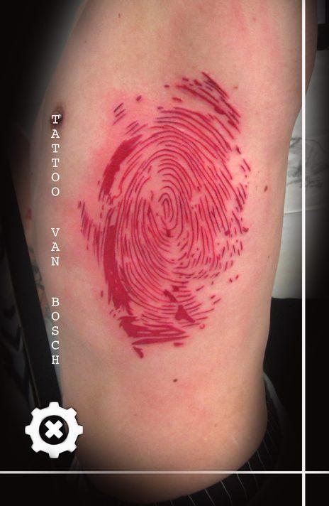 Tattoo van Bosch, Van Bosch Tattoo Bodenmais, Tattoo Bayerischer Wald, Bayerwald Tattoo, Tattoo Bodenmais, BDSM Bodenmais, Tattoo Zwiesel, Tattoo Regen, Bayrischer Wald Tattoo, Neo Van Bosch, Red Fingerprint Tattoo, Fingerabdruck Tattoo, Daumen Tattoo, Thumb Tattoo,