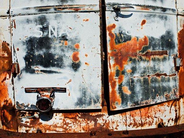 """<h2>Rust Away</h2> <br><br> <a href=""""/kontakt"""" class=""""button"""">Anfrage</a>"""